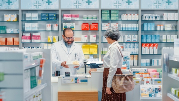 Pharmacy: the first health service in the territory